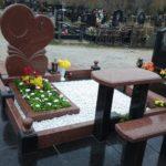 Благоустройство могил мраморной крошкой